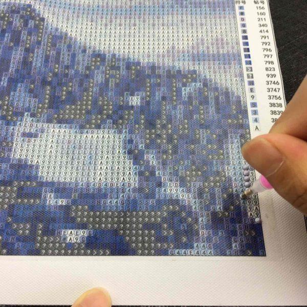 Поставяне на диаманта върху схемата на Елмазен Гоблен - Идилия в синьо
